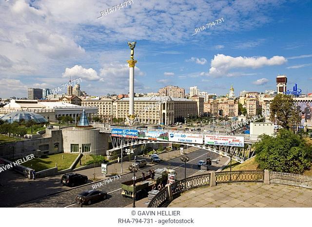 Elevated view over Maidan Nezalezhnosti Independence Square, Kiev, Ukraine, Europe