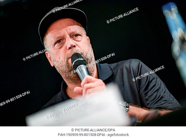 09 September 2019, Hamburg: Smudo, musician, speaks during the press conference of the Alliance #Undivisible. Among other things
