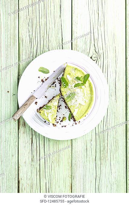 Avocado cheesecake, sliced