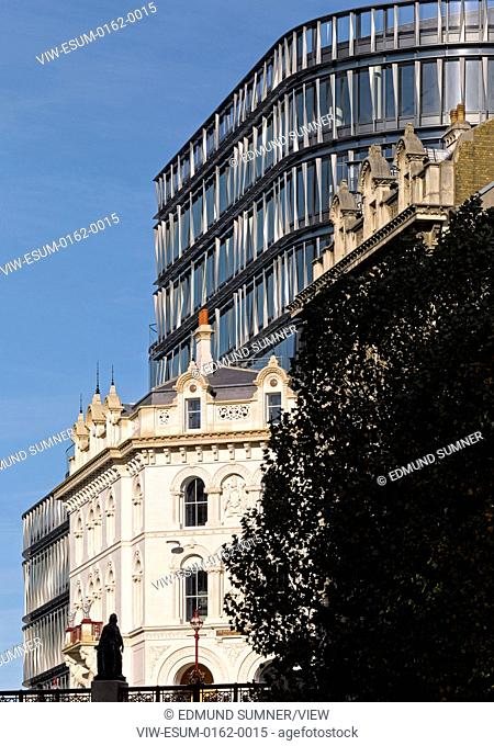 60 London at Holborn Viaduct, London, United Kingdom. Architect: Kohn Pedersen Fox Associates (KPF), 2014. Exterior view with Holborn viaduct