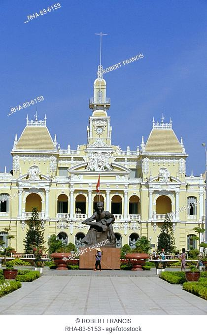 Hotel de Ville City Hall, completed 1908, now houses Peoples Committee, Nguyen Hue Boulevard, downtown, Ho Chi Minh City formerly Saigon, Vietnam, Indochina