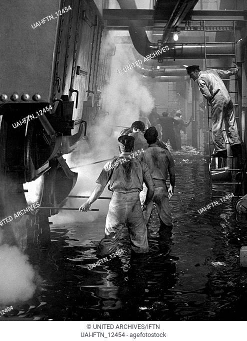 A Night To Remember, aka: Die letzte Nacht der Titanic, Großbritannien 1958, Regie: Roy Ward Baker, Szenenfoto im Maschinenraum