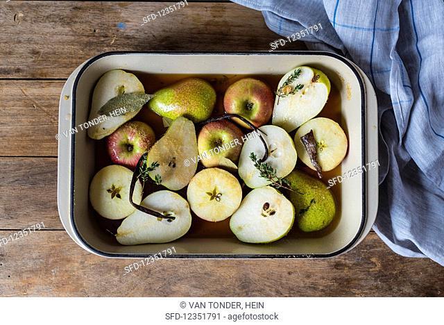 Ingredients for making pears roasted in apple wine