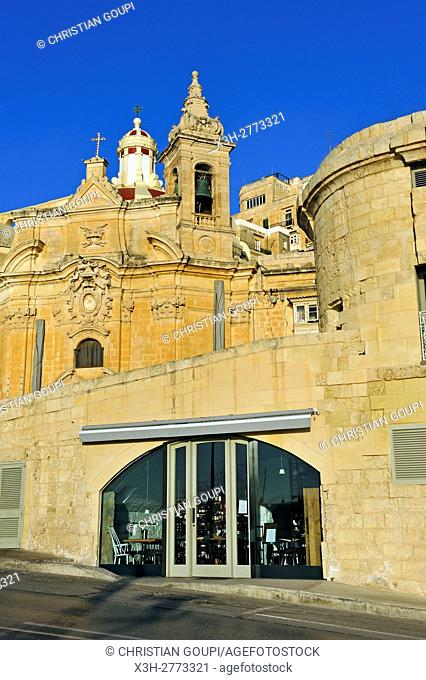 Church of Our Lady of Liesse and restaurant Harbour Club, Barrierra Wharf, Valletta, Malta, Southern Europe
