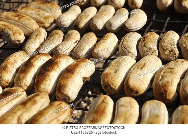 Phnom Penh (Cambodia): grilled bananas