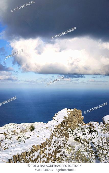 Wall of Dry Stone, Cami de S'Archiduc, Valldemossa, Long Distance Path GR 221, Sierra de Tramuntana Majorca Balearic Islands Spain