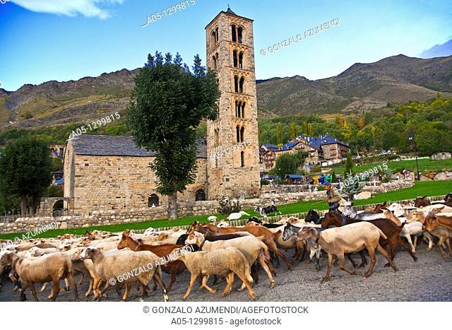 Sant Climent de Taüll  Romanesque church s  XII, World heritage site  Taüll  Vall de Boí  Pyrenees  Alta Ribagorça  Lleida  Catalonia  Spain