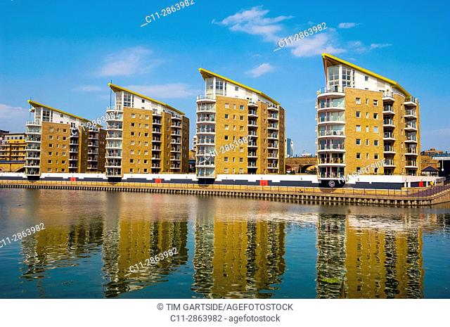 marina heights, docklands, limehouse, london, england, uk