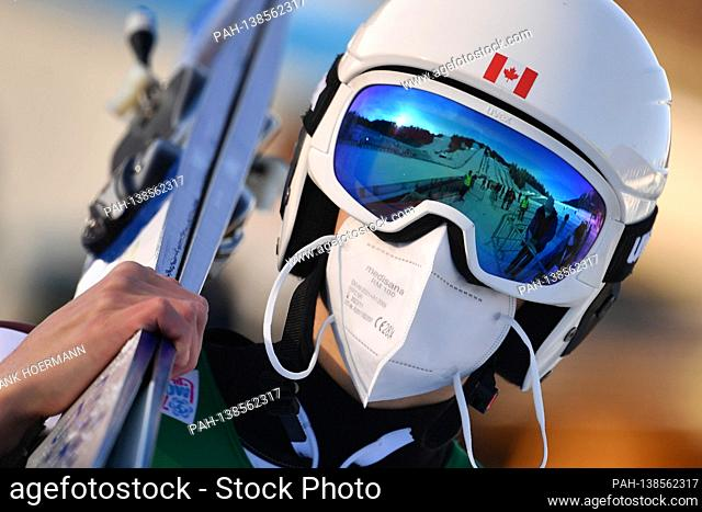 Edge motif: Ski jumping is also dominated by Corona - the Canadian Matthew SOUKUP in total disguise with helmet, ski goggles and face mask, mask