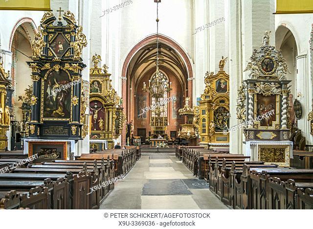 Innenraum der Kathedrale von Torun, Dom St. Johannes der Täufer und Johannes der Evangelist. ,Torun, Polen, Europa   Torun Cathedral interior, Church of St