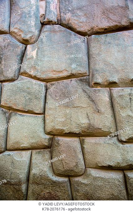 The Inca wall at Hathunrumiyoq Street, las piedras del los 12 angulos (the stone of the 12 angles), Cuzco, Peru