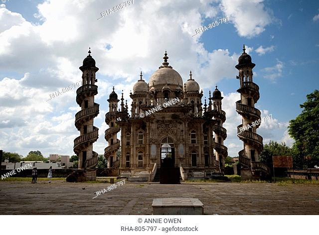 The Jama Masjid in the Mahabat Maqbara complex, built in 1892, with Islamic, Hindu and European influences, Junagadh, Gujarat, India, Asia