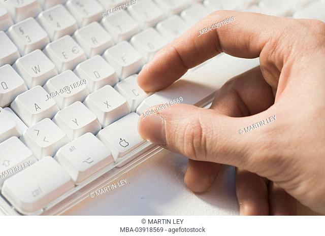 Apple, Mac, keyboard, hand, detail, short-command, touch-tone-combination, no property release, symbol, logo, computers, application, command, buttons