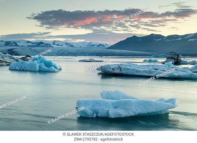 Sunrise at Jokulsarlon glacial lagoon, south Iceland