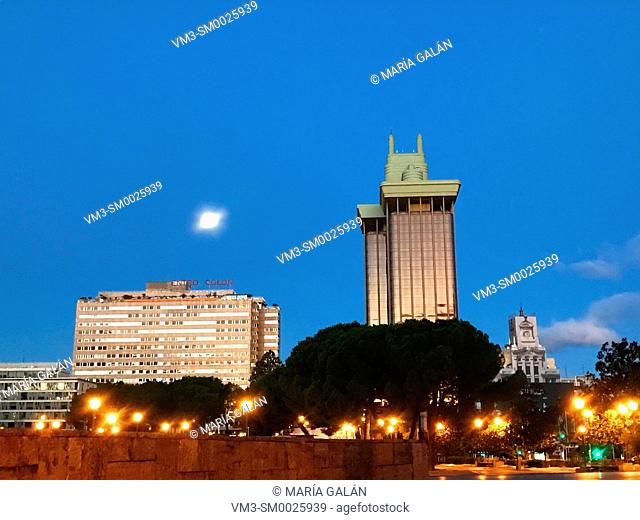 Descubrimiento Square and Jerez Towers, night view. Madrid, Spain