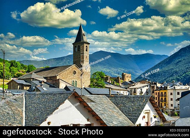 Sort, Llieda Province with Saint Feliu Catholic Church, Catalonia, Spain