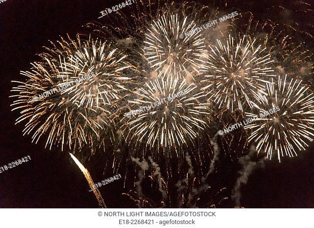 USA, Hawaii, Honolulu, Waikiki. Fireworks display