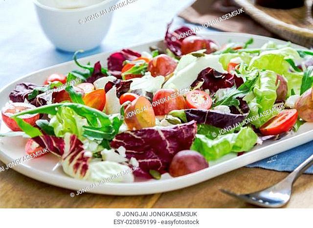 Grape with Radicchio, Rocket and Feta cheese salad