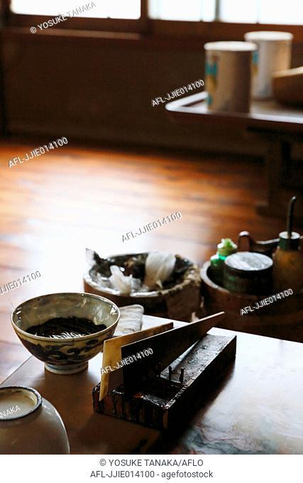 Japanese lacquer artisan studio