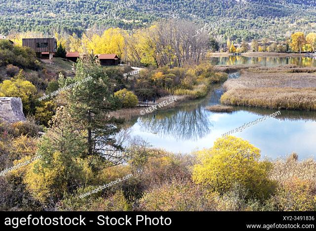 Laguna de Uña, near the village of Uña, Cuenca Province, Castilla la Mancha, Spain. The lagoon forms a part of the Parque Natural Serranía de Cuenca