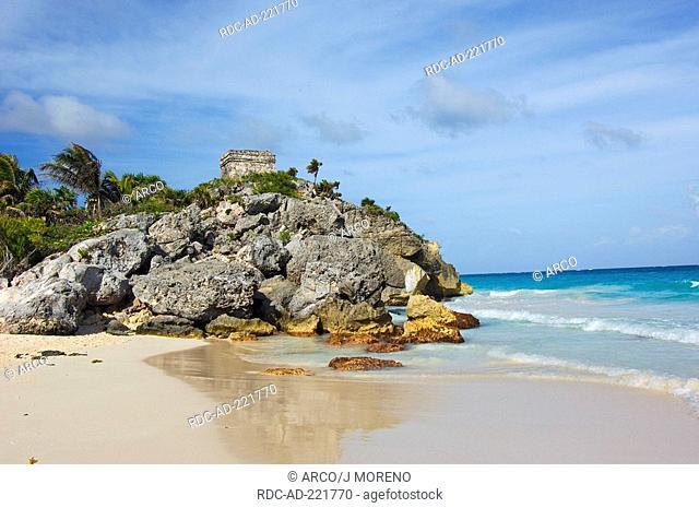 Beach at Mayan ruins, Tulum, Quintana Roo, Maya Riviera, Yucatan, Mexico