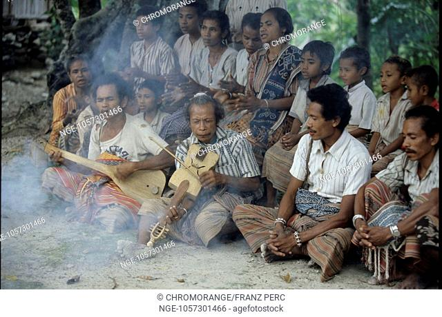 Traditional Music in the Kingdom Bote, West Timor Indonesia