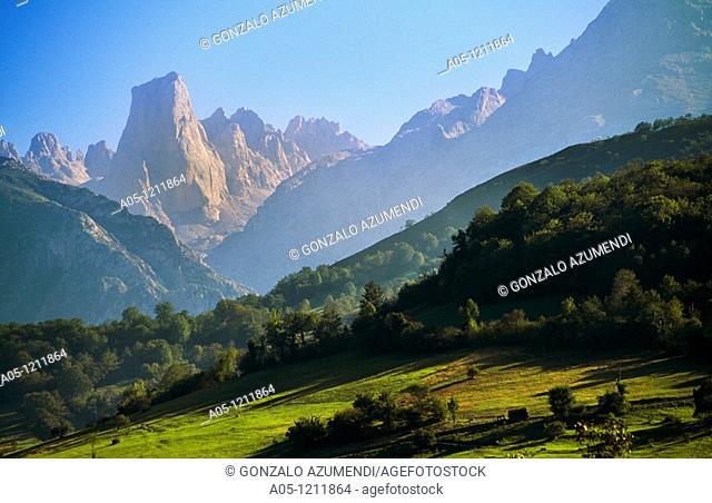 Naranjo de Bulnes peak or Urriellu Peak. Picos de Europa. National Park. Asturias. Spain