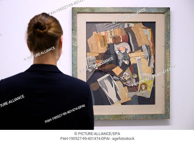 """27 May 2019, Lower Saxony, Hanover: A woman at the Sprengel Museum looks at the collage """"""""PEN"""""""" (1941) by Kurt Schwitters"""