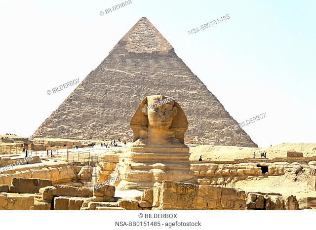 Culmination of a journey through Egypt: the Giza Sphinx with Chephrenpyramide