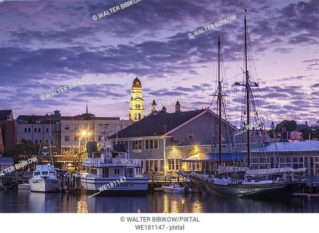 USA, New England, Massachusetts, Cape Ann, Gloucester, Gloucester City Hall, dawn
