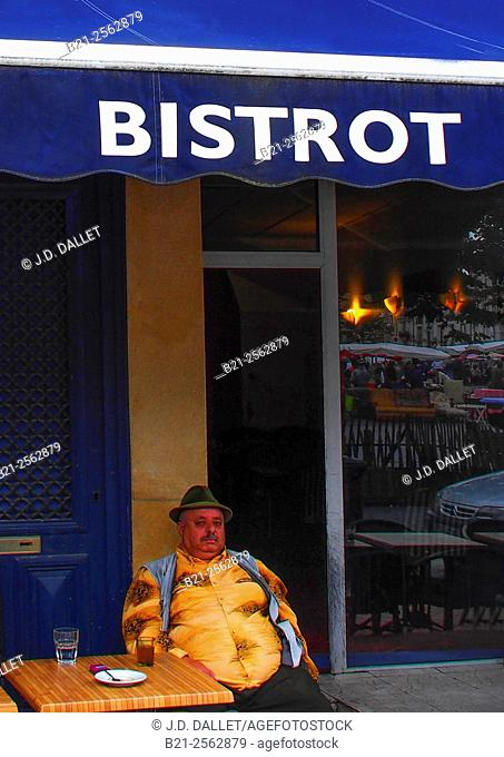 Bistrot on Place Saint Michel, Bordeaux, Gironde, Aquitaine, France