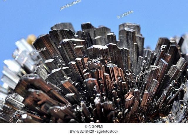 antimonite crystals