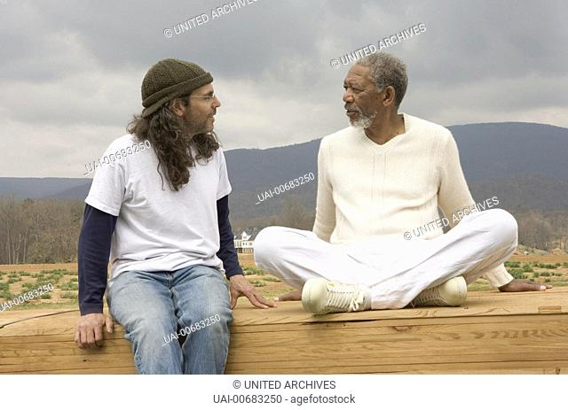 """Evan Allmächtig / (L to R) Director/Producer TOM SHADYAC and MORGAN FREEMAN as God on the set of a comedy of biblical proportions, """"""""Evan Almighty"""""""""""
