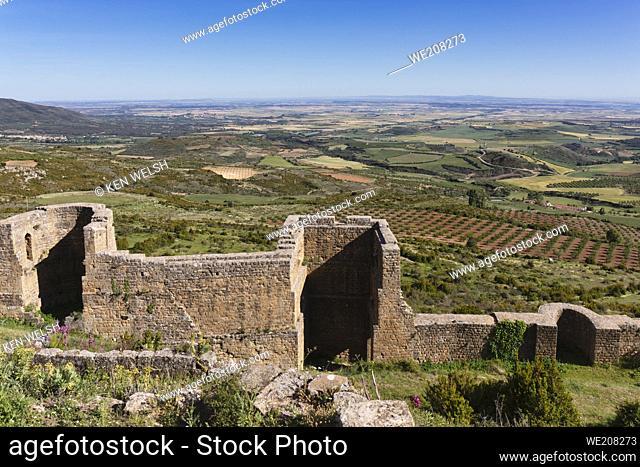 Part of the curtain wall around Loarre castle, near Loarre, Huesca Province, Aragon, Spain. The Romanesque castle is amongst Spainâ