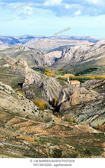 Folds in Aliaga Geopark. This exeptional geologic place is located in El Maeztrazgo, Teruel, Aragon, Spain