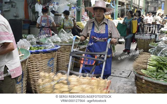Pak Khlong Talat is a market in Bangkok well known for its wholesale flowers. However, little is written about the volumes of fresh fruits and vegetables on...