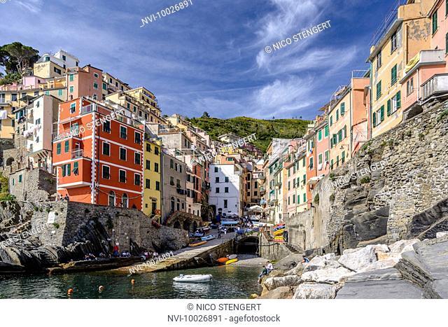The village of Riomaggiore, Cinque Terre, Riviera di Levante, province of La Spezia, Ligurian Sea, Italian Riviera, Mediterranean Sea, Liguria, Italy