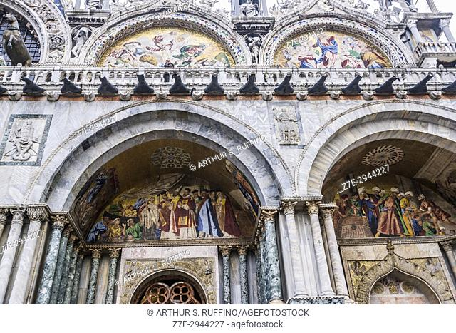 Mosaics in the lunettes over the portals of the façade of the Basilica di San Marco (St. Mark's Basilica), Piazza San Marco, Venice, Italy