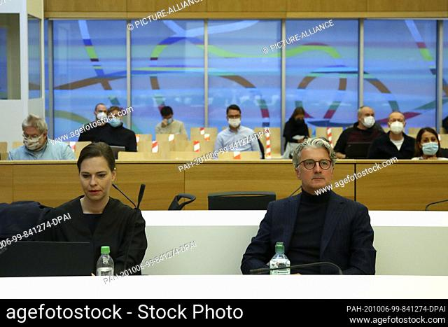 06 October 2020, Munich: Rupert Stadler (r), former Chairman of the Board of Management of Audi AG, sits alongside his lawyer, Ulrike Thole-Groll