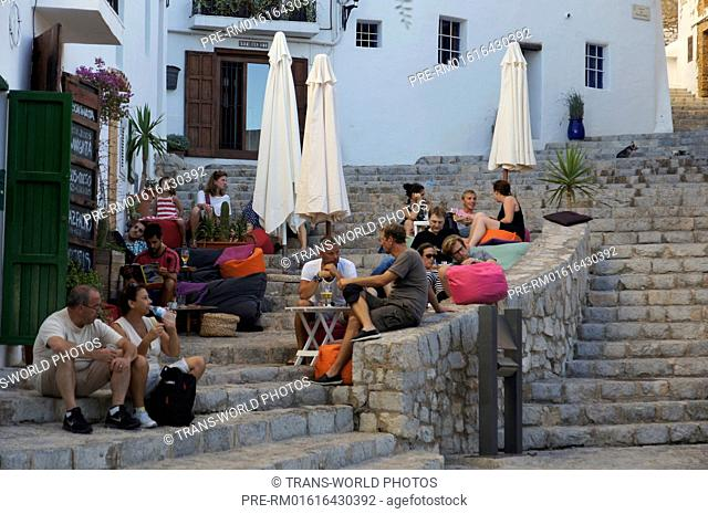 Street Scene, Dalt Vila (oldtown), Ibiza city, Ibiza, Spain / Straßenszene, Dalt Vila (Altstadt), Ibiza-Stadt, Ibiza, Spanien
