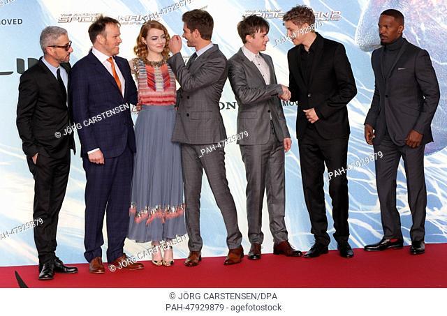 Film producer Matt Tolmbach (L-R), US director Marc Webb, and US actors Emma Stone, Andrew Garfield, Dane DeHaan and Jamie Foxx pose with German musician Tim...