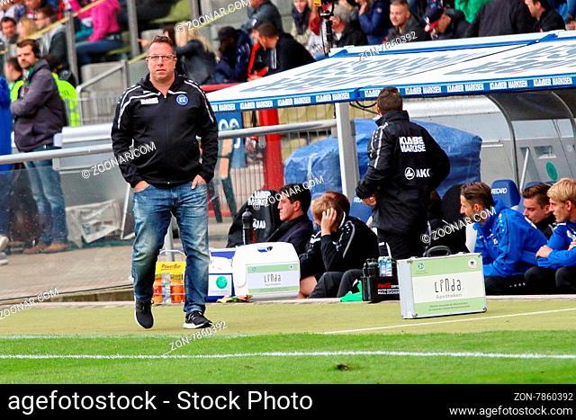 Trainer Markus Kauczinski (Karlsruhe) verlässt den KSC zum Ende der Spielzeit 2015/16 - Fussball: 2. BL 15-16: 10. Sptg.: KSC vs SC Freiburg