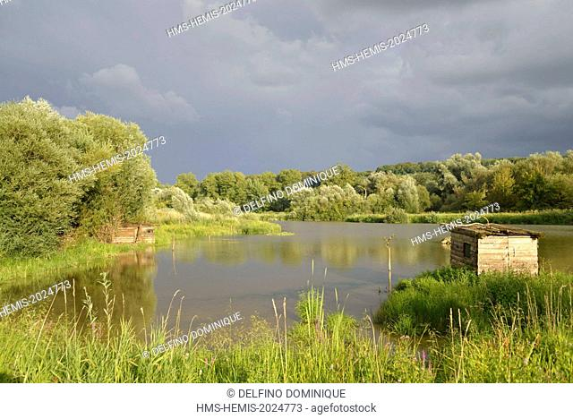 France, Doubs, Brognard, natural space of Allan spring, observation hides and shooting permanently installed