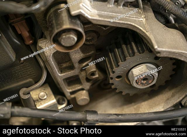 Pulley in the car engine
