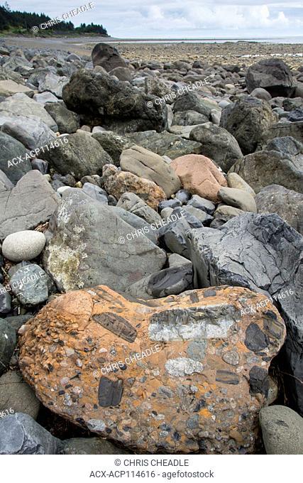 Beach rocks, East Beach, Tlell, Haida Gwaii, formerly known as Queen Charlotte Islands, British Columbia, Canada