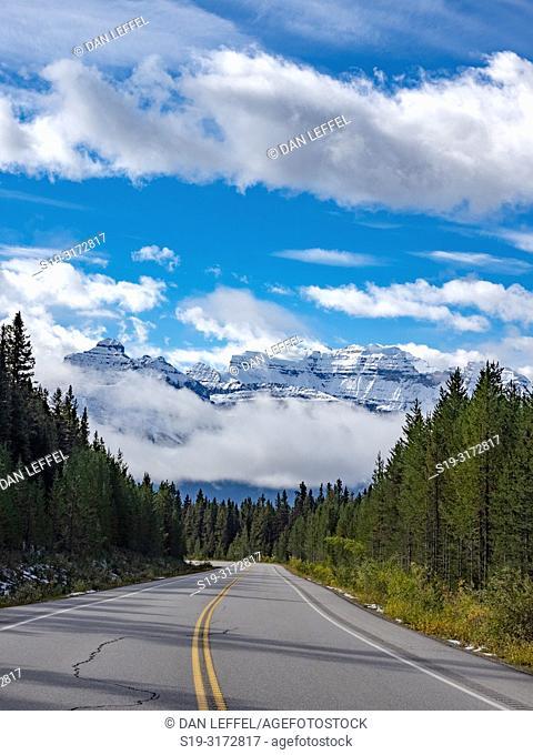 Canadian Rockies. Icefields Parkway