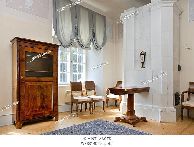 Room With Classic Furniture and Decor
