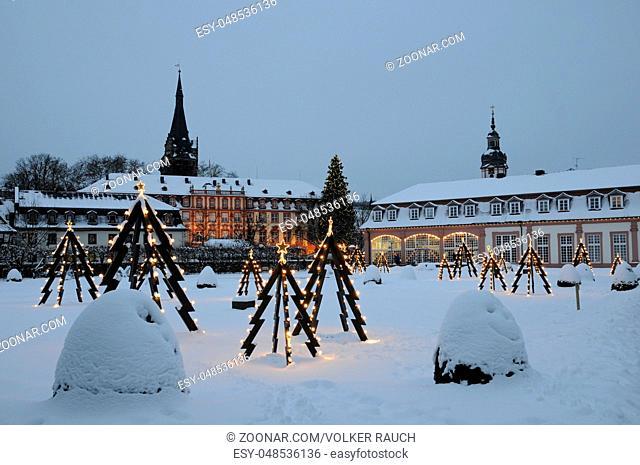Weihnachten, Erbach, Odenwald, lustgarten, schloss, orangerie, weihnachtsbeleuchtung, beleuchtung, weihnachtsbaum, weihnachtsbäume, deko, schnee, winter