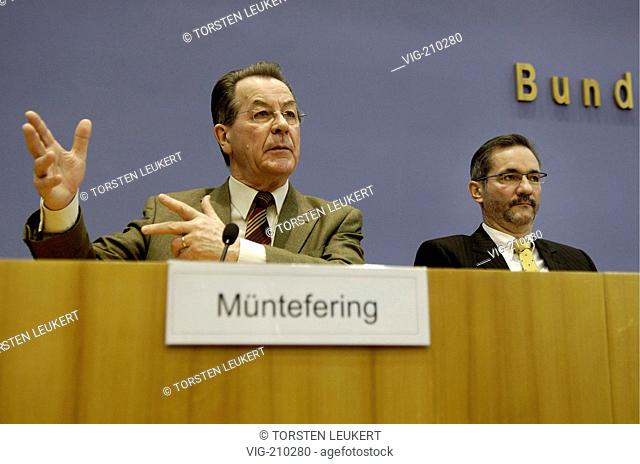 Franz MUENTEFERING ( SPD ), Federal Minister of Labour and Vice Federeal Chancellor, Matthias PLATZECK, SPD party chairman