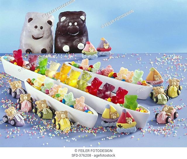 An assortment of bears for decorating cakes